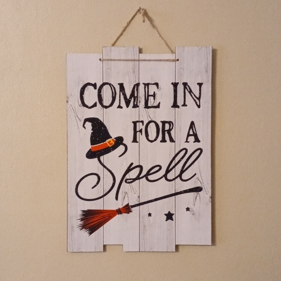 """Witch """"Come In For A Spell"""" Halloween Sign"""